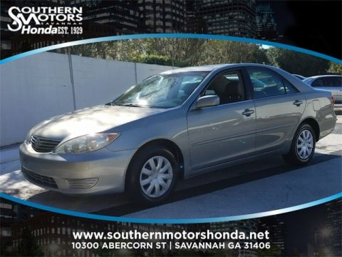 PRE-OWNED 2005 TOYOTA CAMRY LE FWD 4D SEDAN